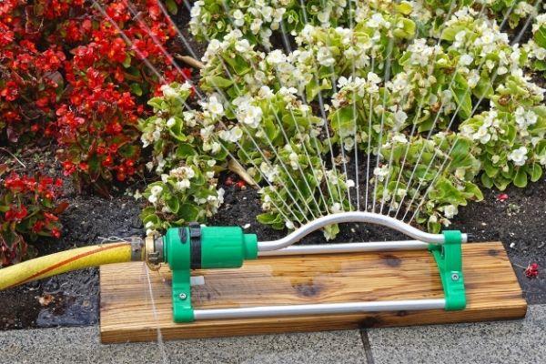 Aspersor para jardineria.jpg