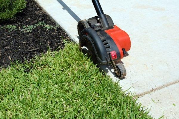 Bordeadora eléctrica herramienta de jardineria.jpg