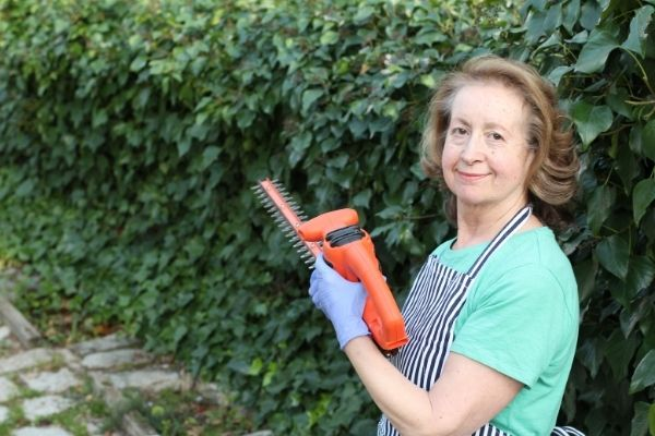 Sierra podadora herramienta de jardineria