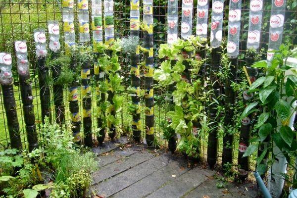 Como hacer un jardin vertical en botellas de plastico paso a paso